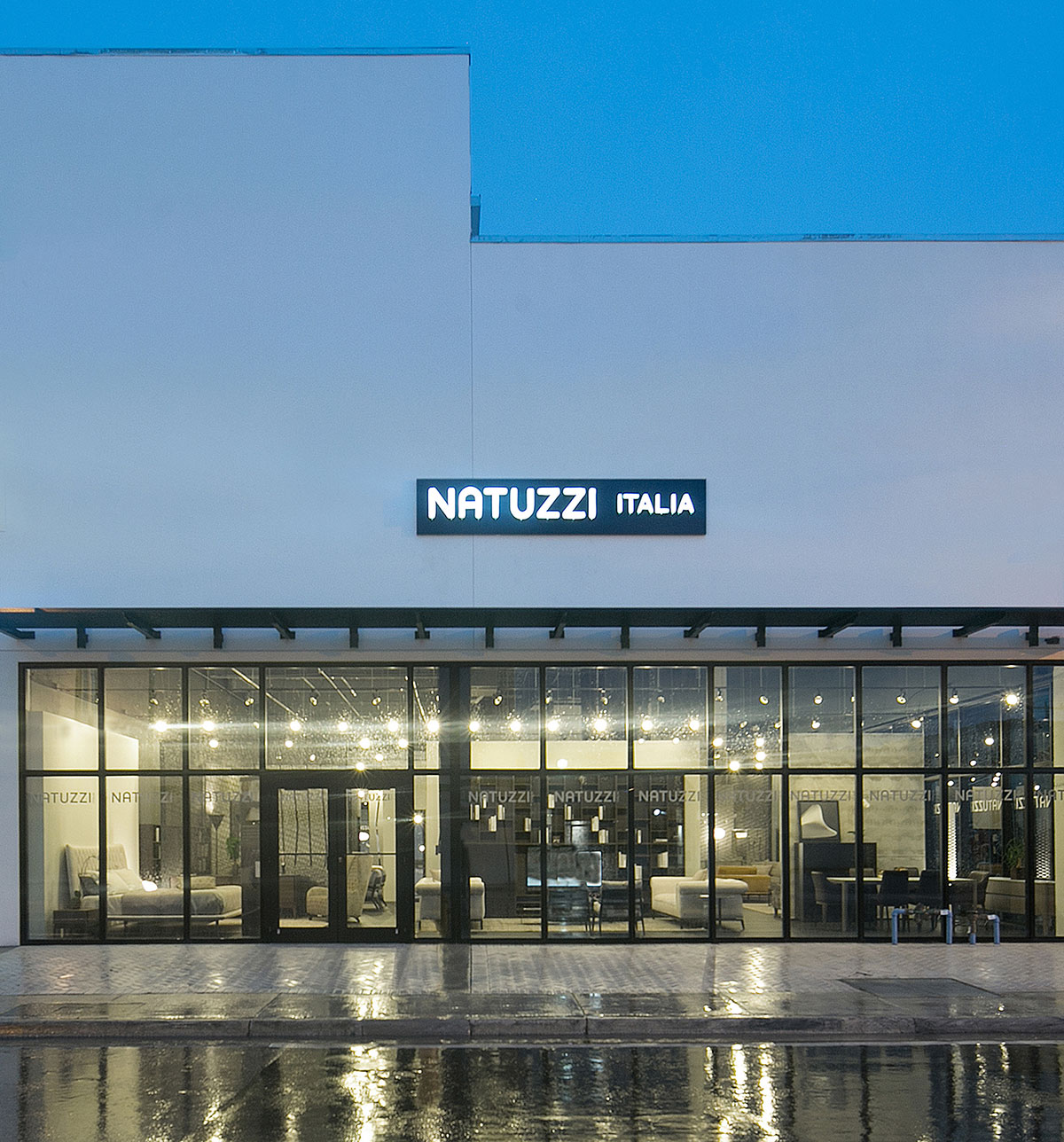 Natuzzi_store_Miami_photo_by_Robin-Hill_01.jpg
