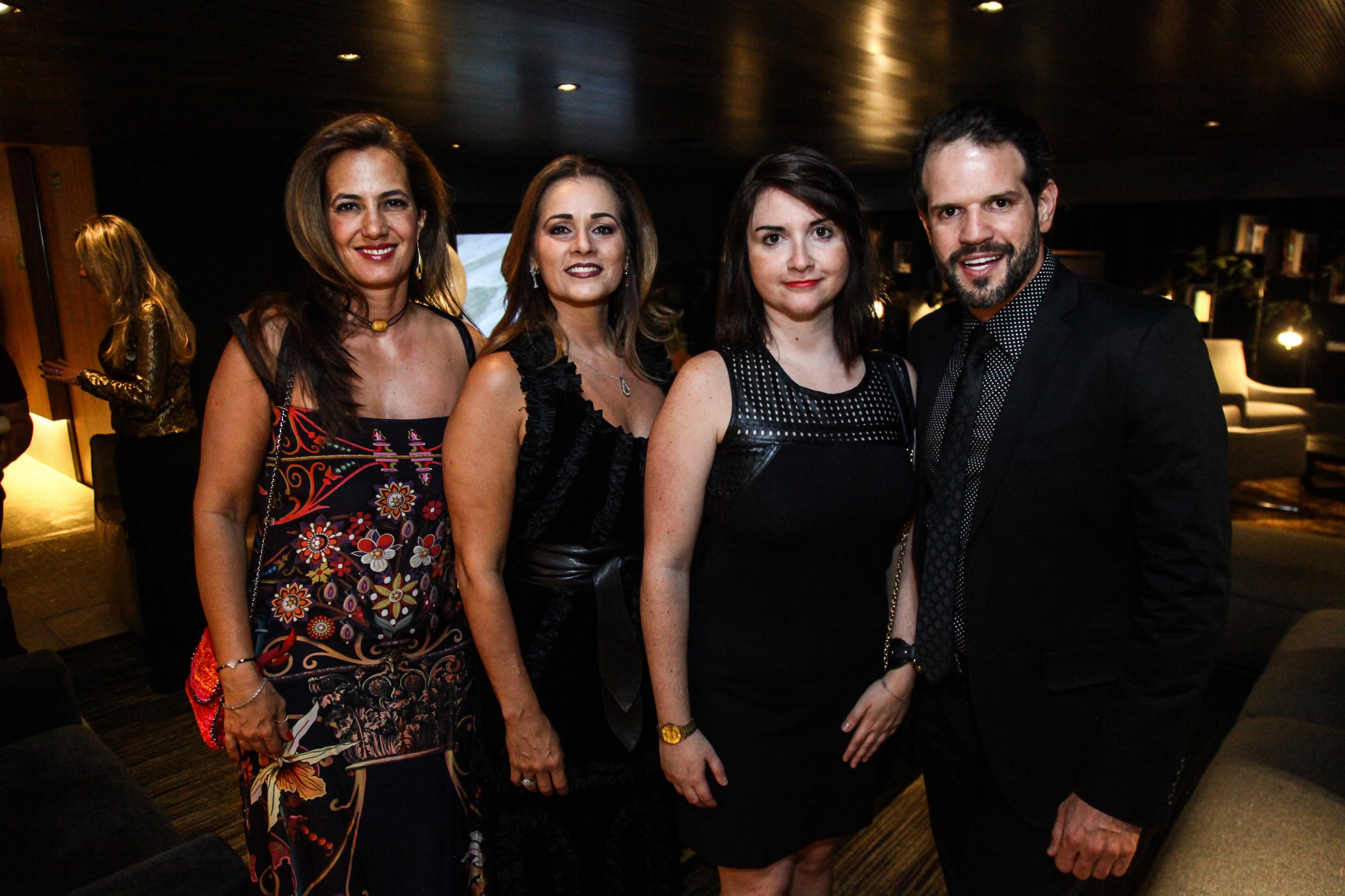 Isabel Veiga, Mônica Pinto, Bianca Giacomelli e Arnaldo Pinho.jpg
